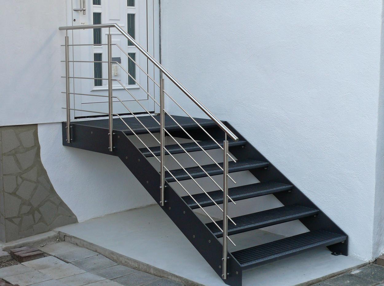 gitterrosttreppen metallbau metallgestaltung treppenbau. Black Bedroom Furniture Sets. Home Design Ideas
