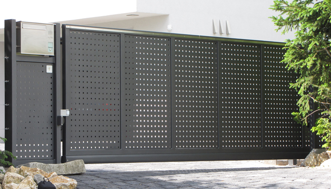 tore t ren z une aus metall. Black Bedroom Furniture Sets. Home Design Ideas