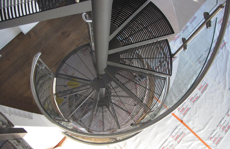 spindeltreppen metallbau metallgestaltung treppenbau. Black Bedroom Furniture Sets. Home Design Ideas